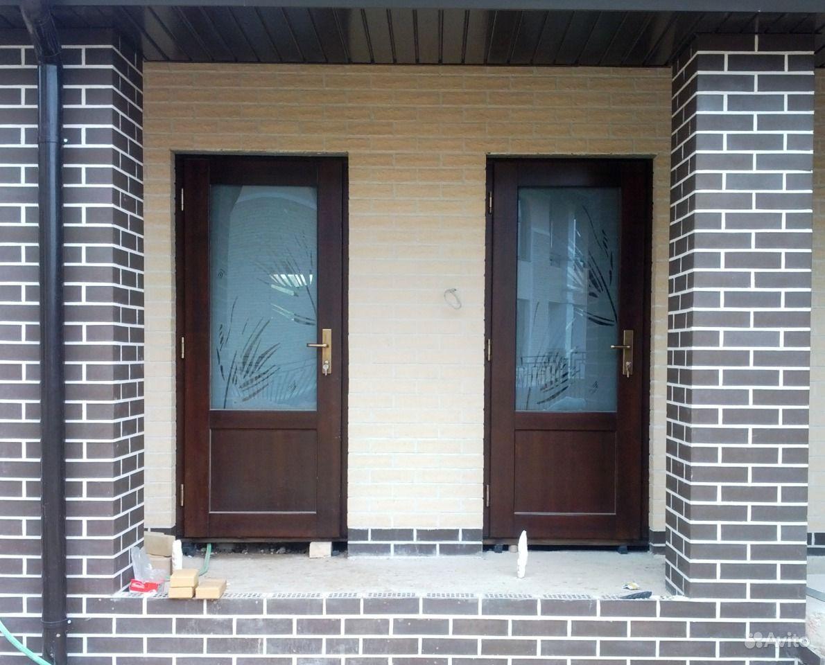металлические входные двери в загородный дом с напылением крокодил