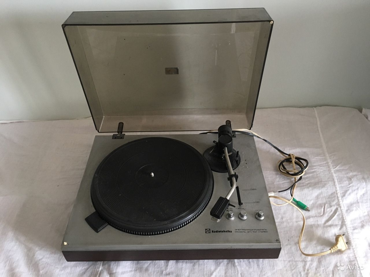 купить проигрыватель виниловых пластинок радиотехника
