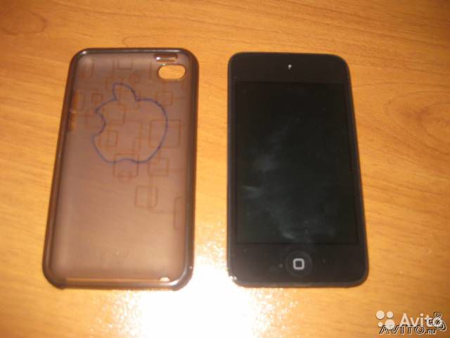 iPod touch 4 32GB + чехол
