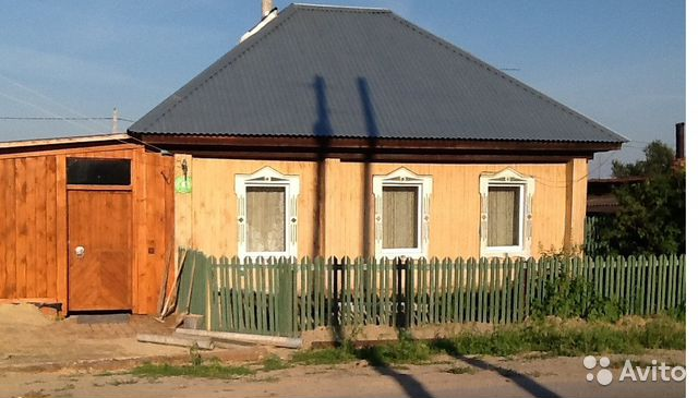 House of 40 m2 on the plot 8 hundred.
