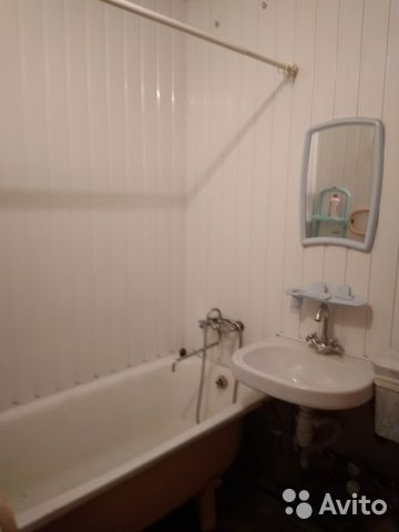Продается двухкомнатная квартира за 1 200 000 рублей. Саратов, улица имени И.В. Панфилова, 11.