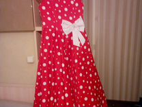 Нарядное платье на девочку рост 122-128. по спинке