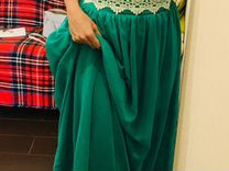 Шикарное изумрудное платье в пол