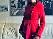 Эффектное Пальто с капюшоном и поясом