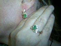 Комплект- серьги,кольцо(3 изумруда, 54 бриллианта)